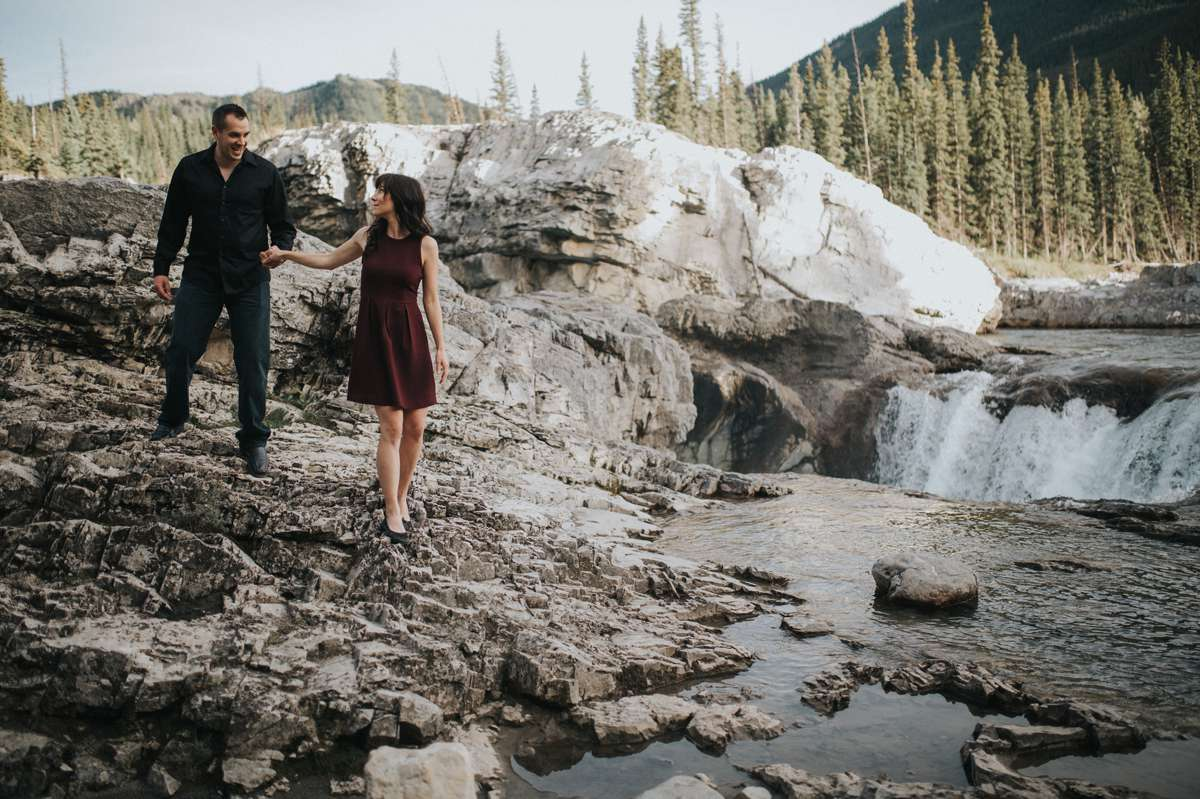 engagement pictures at Elbow Falls