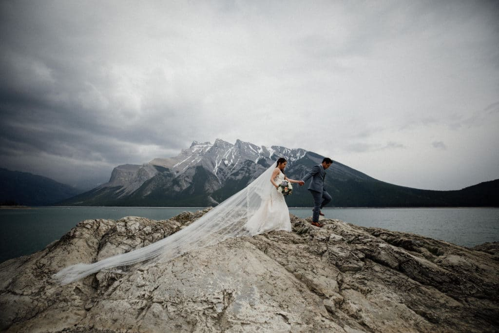 Lake-Minnewanka-wedding-2